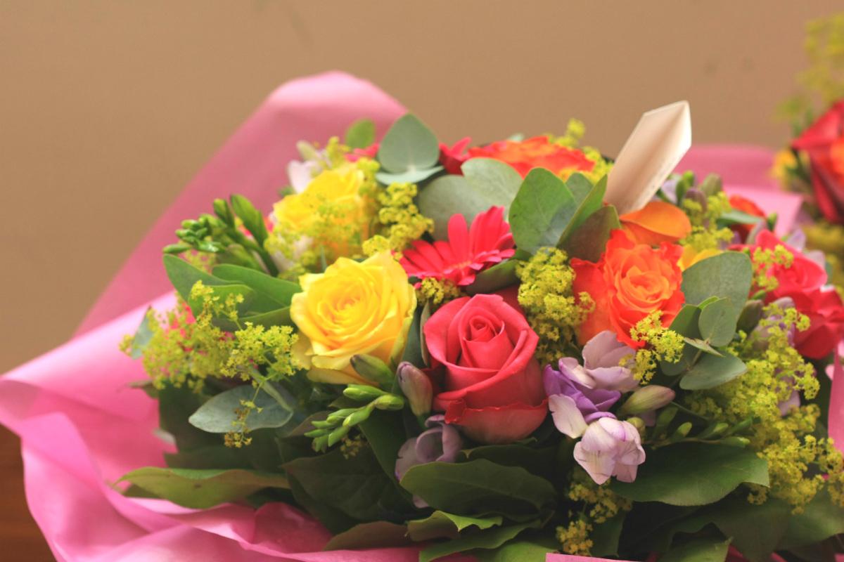 人生の節目に ~退職祝いに贈る花~