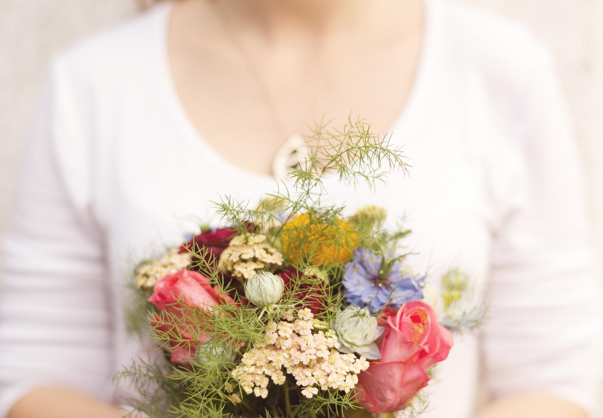 いつもお世話になっているあの人へ!お中元にお花を贈ってみませんか?
