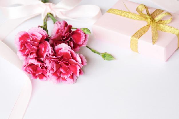 毎日を彩る雑貨を母の日に ~お花と雑貨のセット~