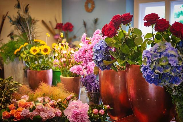 お花の水揚げの方法~できるだけ長くお花を楽しむために~