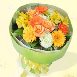 ガーベラとバラのブーケ , 誕生日フラワーギフト||花や花束の宅配|フラワーギフト通販なら花キューピット(511549)