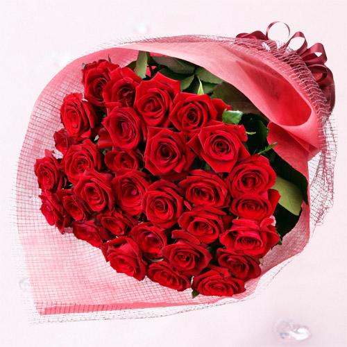 30本の赤バラの花束